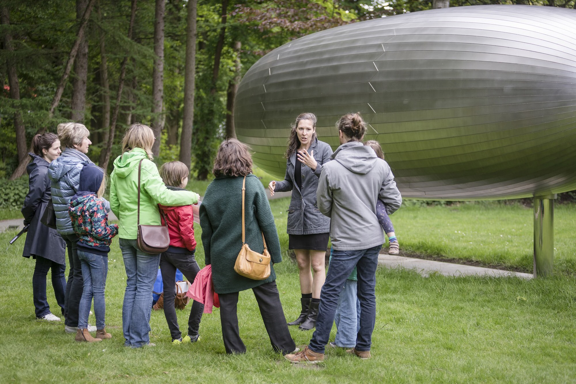 Family tour for young artists
